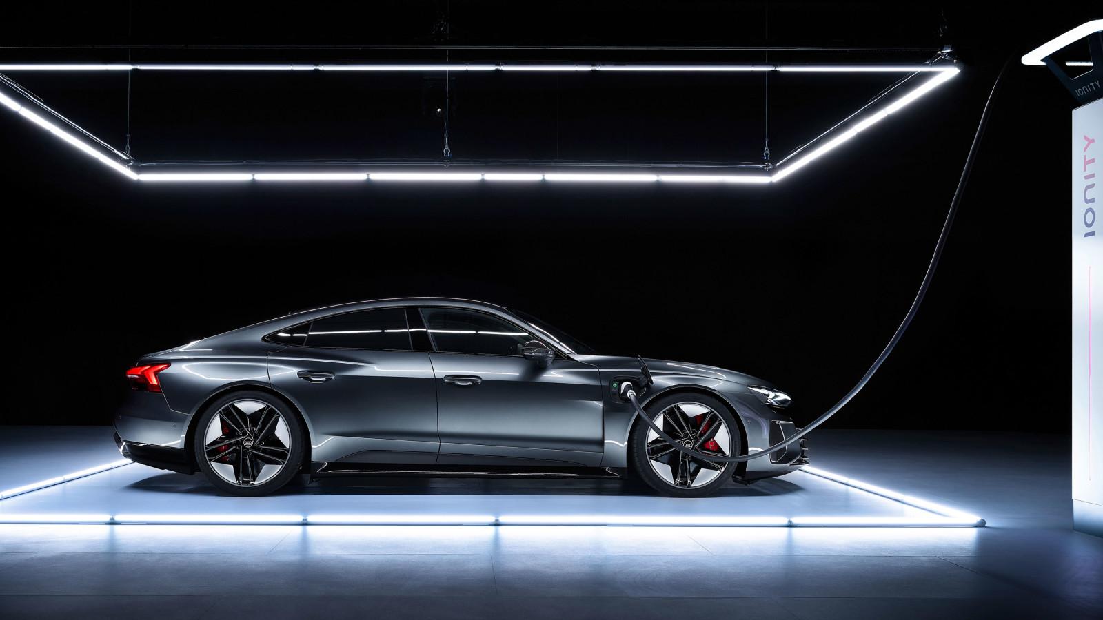Der Audi e-tron GT ist endlich enthüllt.