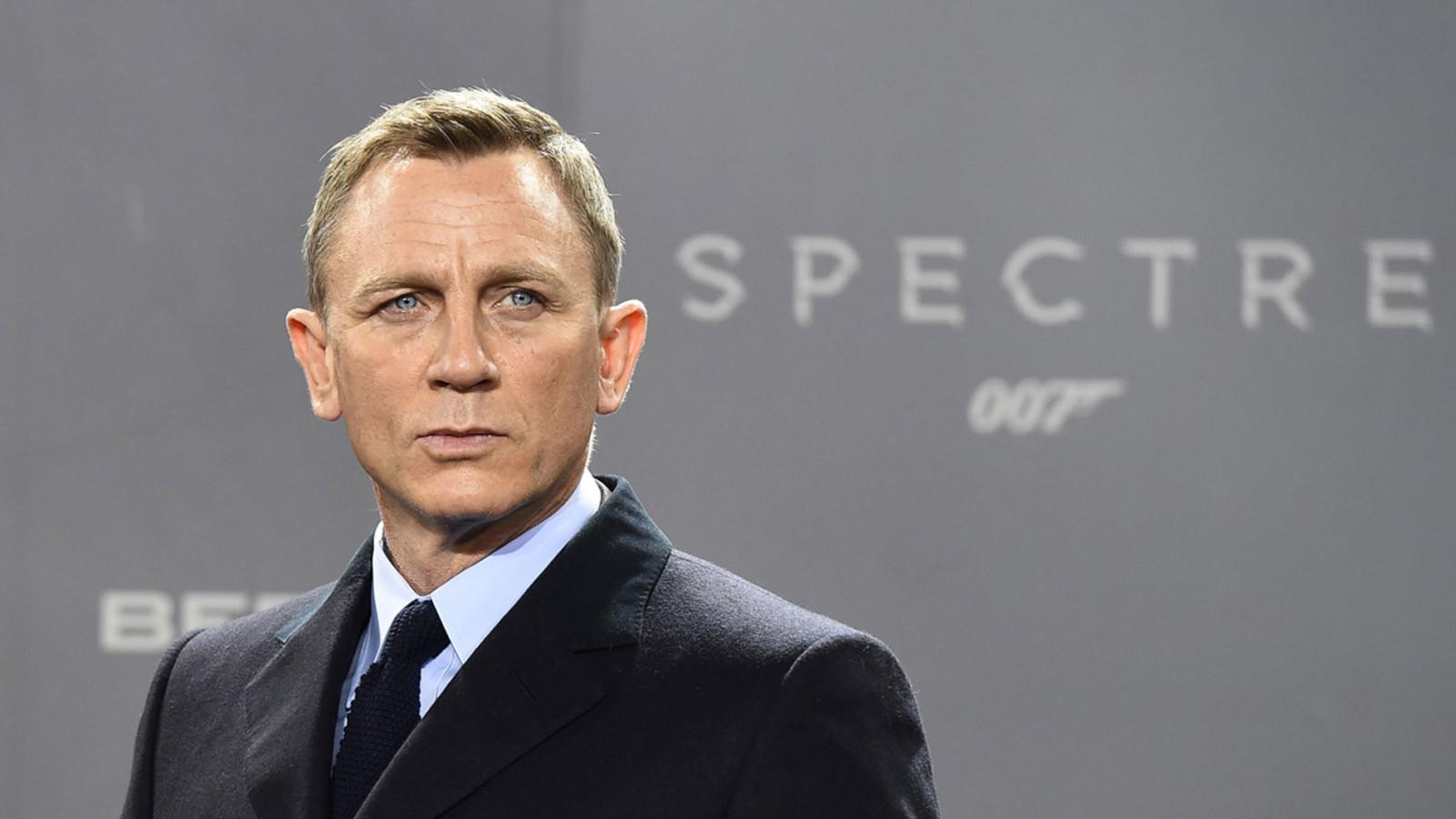James Bond, Elektroauto, Aston Martin