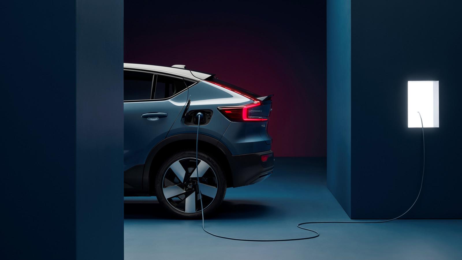 Volvo stellt mit dem vollelektrischen C40 Recharge sein zweites E-Auto vor.