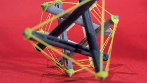 Aus Kuddelmuddel wird große Struktur: 4D-Gebilde erforschen das All