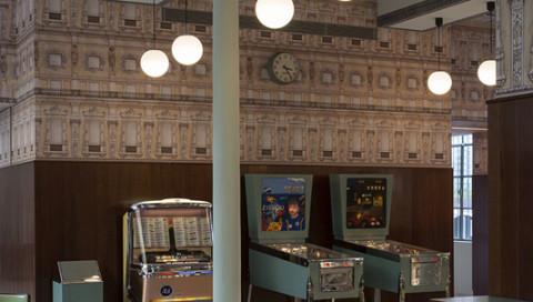 Wes Andersons Bar in Mailand sieht genauso aus wie seine Filme