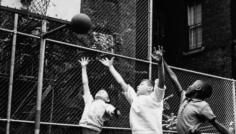So könnt ihr Basketball im Facebook Messenger spielen