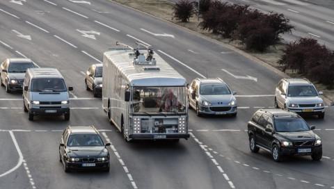 Dieser Hightech-Bus im Retroschick ist auf Litauens Straßen unterwegs