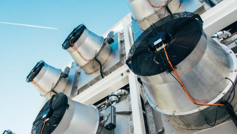 Weltpremiere: Schweizer filtern CO2 aus der Luft und düngen damit