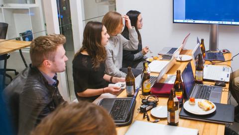 """""""Programmieren ist so einfach wie Nudeln kochen"""", glaubt der Gründer des Münchner Coding-Cafés"""