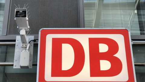 De Maizière verteidigt Südkreuz-Test trotz Datenschutzproblemen