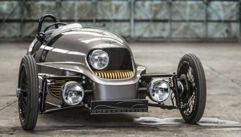 Ein Roadster im Design der Vergangenheit mit der Technik der Zukunft