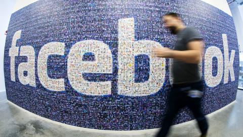 Facebook verrät, wie viele Hasskommentare es wirklich löscht