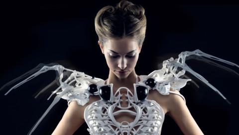 Anouk Wipprecht entwirft Sci-Fi-Kleider, die sich wehren können