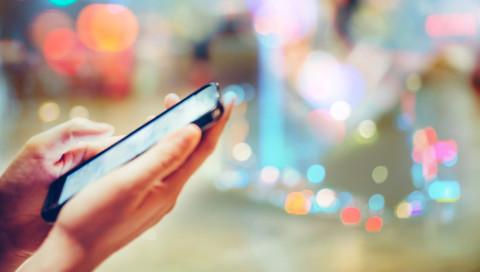 Chemische Spuren auf dem Smartphone verraten euren Lebensstil