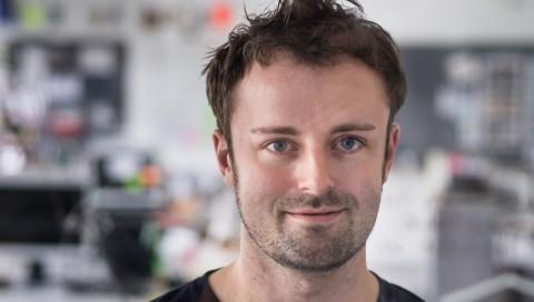 #FASHIONTECH / Designforscher Fabian Hemmert entwickelt ein lebendiges Handy
