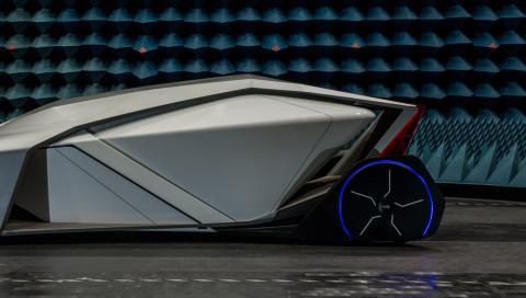 Dieses selbstfahrende Auto kommt ohne Fenster aus