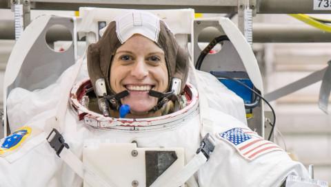 Die Astronautin Kate Rubins wird die erste DNA-Sequenzierung im All vornehmen
