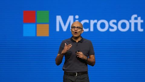 "Microsoft-CEO Nadella kündigt ein ""ultimatives Smartphone"" an"