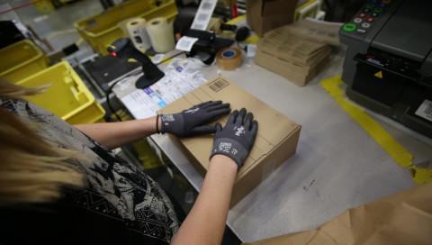 Amazon-Mitarbeiter streiken erneut im Weihnachtsgeschäft