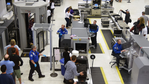 US-Grenzbeamte drängen NASA-Forscher zur Smartphone-Entsperrung