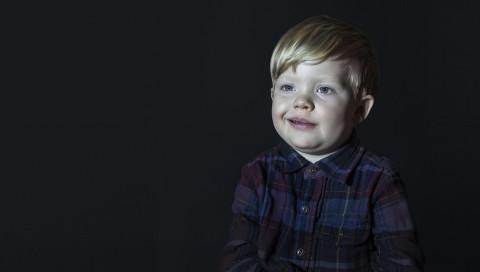 """""""Idiot Box"""": So sehen die entgleisten Gesichter von Kindern beim Fernsehen aus"""