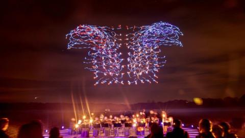 Feuerwerk 2.0: Intel lässt leuchtende Drohnen tanzen