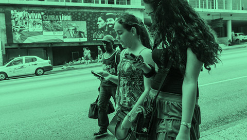 WIRED bei detektor.fm: Apple, das FBI, 10 Jahre Twitter und das Internet auf Kuba