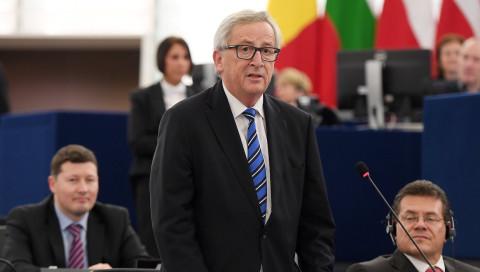 """Juncker will Druck der User und """"gewissen Ehrgeiz"""" von Facebook bei Fake News"""