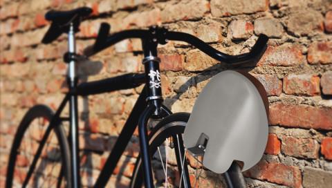 Dieser Fahrradhelm ist gleichzeitig ein Schloss