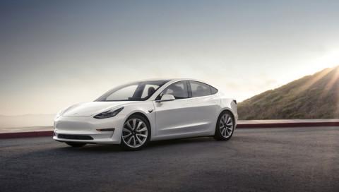 Wir haben eine Probefahrt mit dem Tesla Model 3 gemacht
