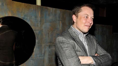 Elon Musk hat eine weitere Firma gegründet und will einen Ritter anstellen, der Leute beschimpft