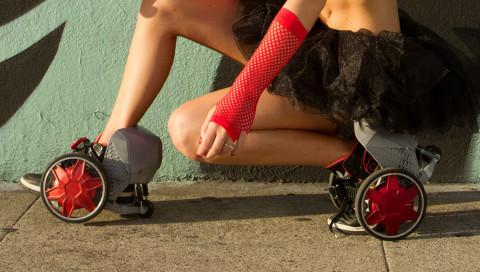 Motorisierte Raketen-Rollschuhe bringen einen ratzfatz überall hin