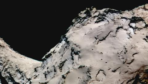 Rosetta bestätigt die poröse Struktur des Kometen Tschuri