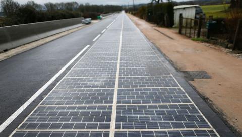 Die erste Solar-Straße der Welt liegt in Frankreich