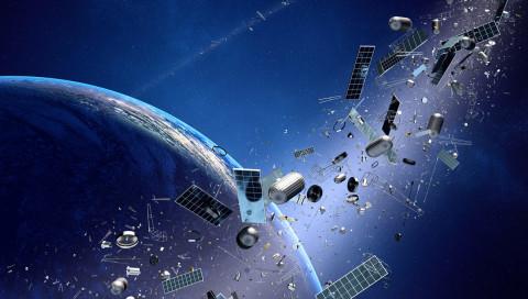 Was tun gegen Weltraummüll? Roboter einsetzen, sagt diese Frau