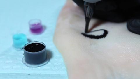 Warum sich Diabetiker ein Tattoo stechen lassen sollten