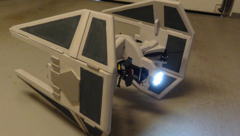 Wir wollen diese TIE-Raumjäger-Drohne!