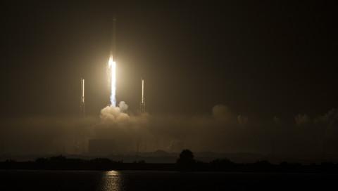 Starlink: SpaceX darf über 7000 weitere Satelliten starten