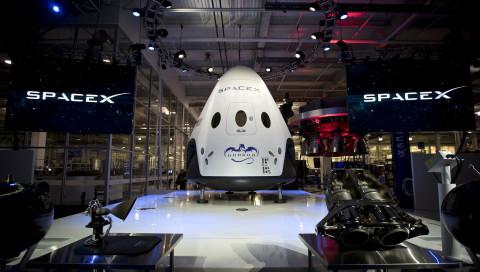 SpaceX: Der erste Flug mit Astronauten findet im Juni 2019 statt