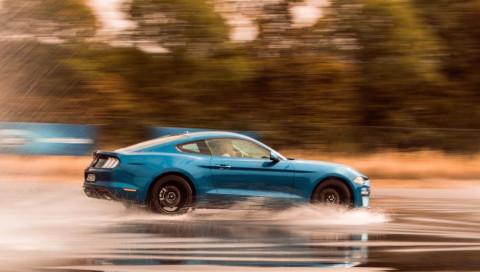 Der Ford dreht durch: In Mustang und Focus RS über die Teststrecke