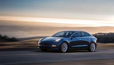 So minimalistisch ist der Innenraum des neuen Tesla Model 3
