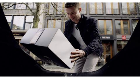 Packstation Kofferraum: Mercedes-Fahrer können sich Pakete ins Auto liefern lassen