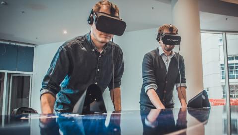 So spielt sich Tischfußball mit einem VR-Kicker