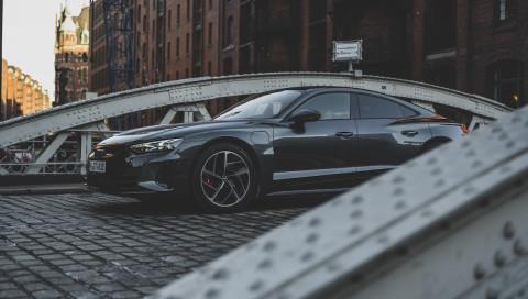 Audi RS e-tron GT: In diesem E-Auto wird der linke Fahrstreifen zum besten Freund