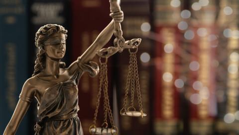 Gericht: Facebook darf nicht wahllos löschen