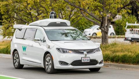 Waymo verkündet Test-Meilenstein bei seinen autonomen Taxis