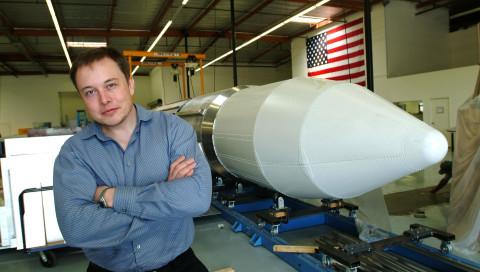Elon Musk will seinen Tesla zum Mars schießen