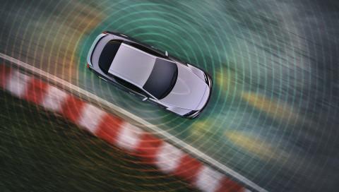 ADAC-Studie: Autonome Autos für Landstraßen nicht vor 2040