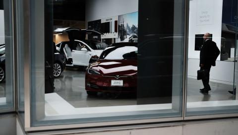 Mit einem kleinen Trick hat ein Dieb ein Tesla Model 3 per Smartphone gestohlen