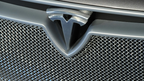 Tesla stellt die Model-3-Produktion zeitweise ein