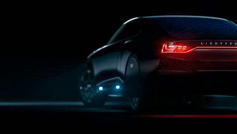 Zwei clevere Solarautos im Vergleich: Lightyear One gegen Sono Motors Sion