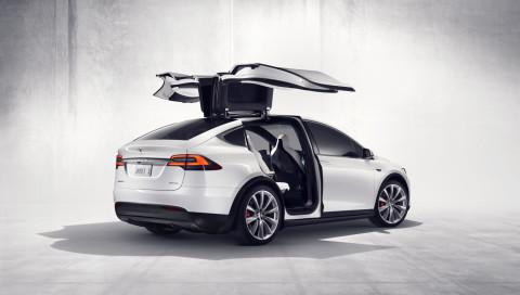 Warum Mercedes-Benz und Tesla (wieder) zusammenarbeiten sollten