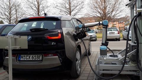 Die TU Graz hat einen Robo-Tankwart entwickelt