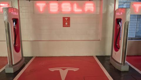 Elon Musk kündigt einen Tesla-Pickup an